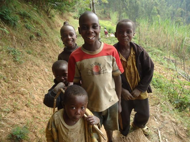 Enfants, lac Ruhondo