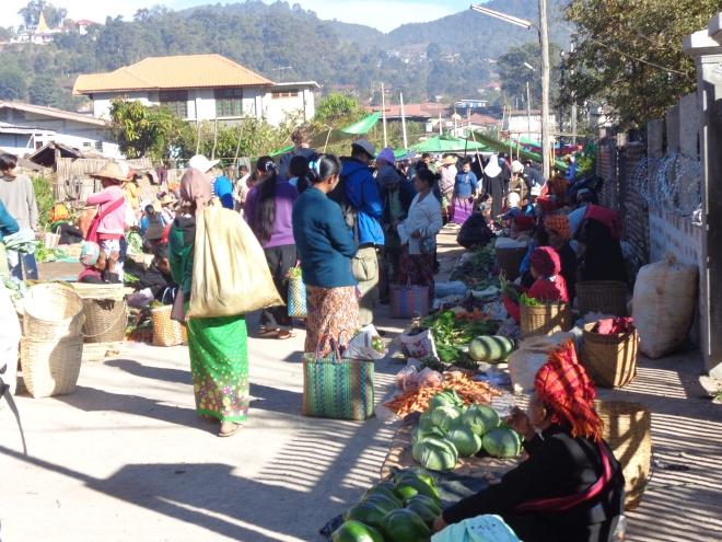 Marché de Kalaw, lundi matin, 15 décembre