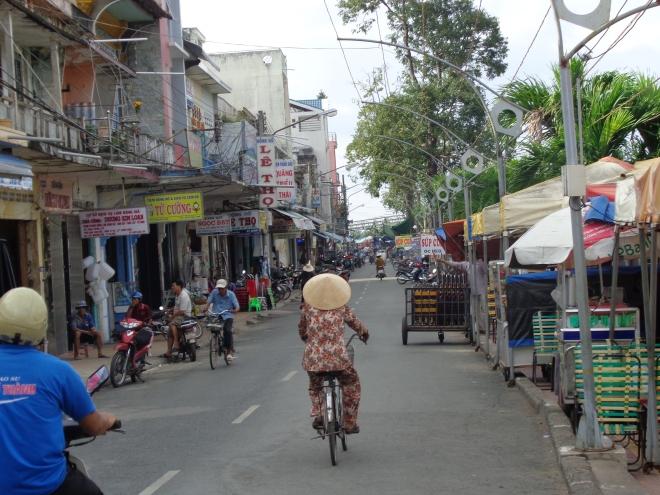 La rue Nguyen Due, à Sadec