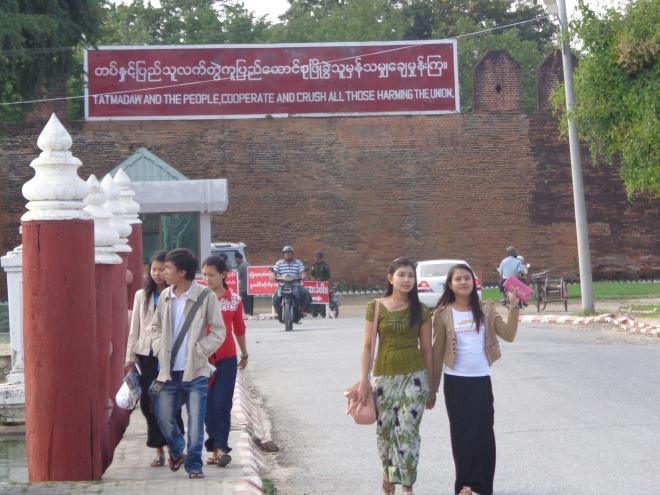 Slogans de l'Armée, Mandalay Birmanie