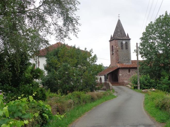 L'église Madeleine dans le bourg de St-Jean-le-Vieux