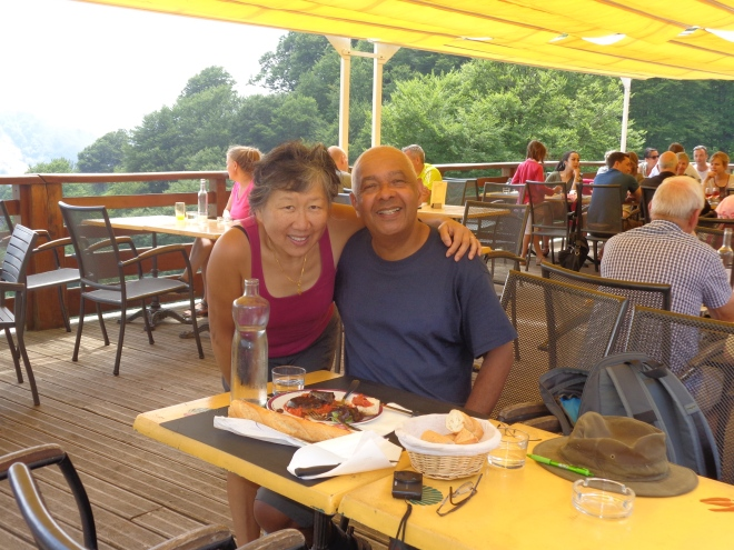 Refuge d'Orisson, mardi 14 juillet, et dégustation, ci-dessous, d'un plat de boudin noir accompagné de pipérade...