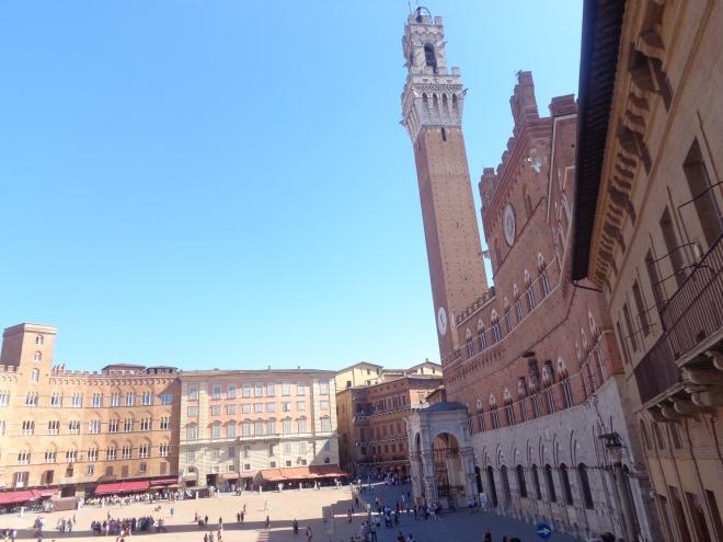 La Piazza del Campo, à Sienne (Siena), le samedi 12 septembre.