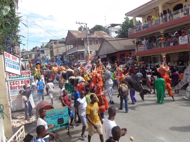 L'Avenue Baranquilla, Jacmel, dimanche 31 décembre