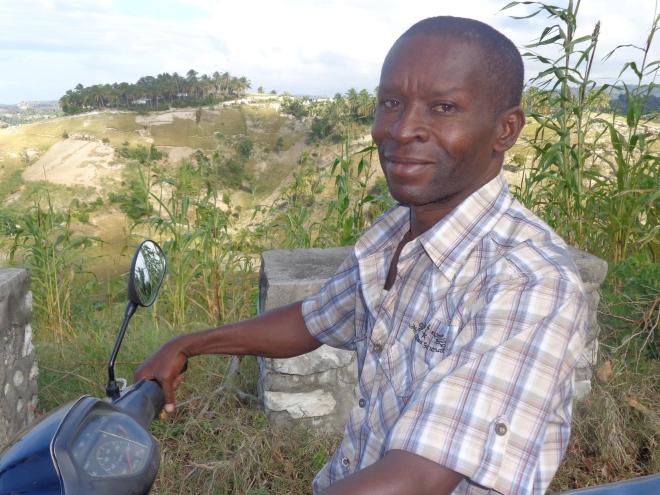 Dorléans, 42 ans, père d'un adolescent de quatorze ans, né à Coteaux, au nord de Port-Salut.