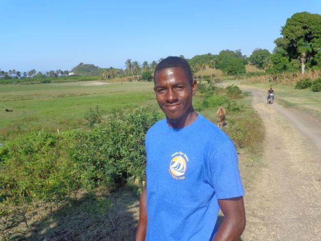 Jerson, troisième d'une famille de neuf enfants. est né et a grandi sur l'île-à-vache