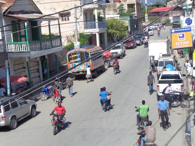 Avenue de la liberté, Jacmel, mercredi 28 janvier...