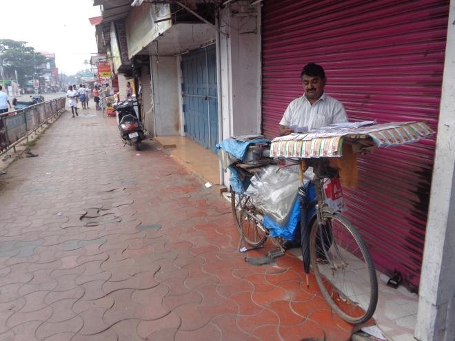 Vendeur de billets de loterie, Kollam, dimanche 18 décembre,